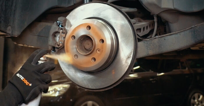 Wechseln Bremsscheiben am BMW X3 (E83) 3.0 i xDrive 2006 selber