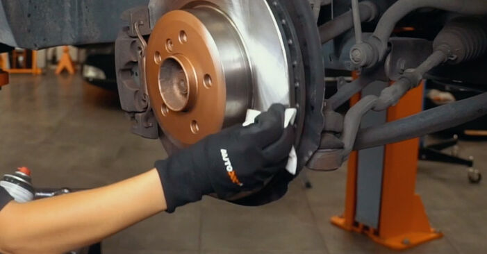 How hard is it to do yourself: Brake Pads replacement on BMW X3 E83 2.0 i 2009 - download illustrated guide