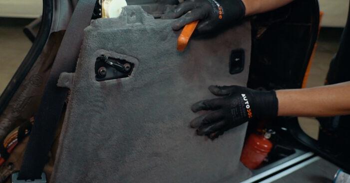 Så lång tid tar det att byta Stötdämpare på BMW X3 E83 2011 – informativ PDF-manual