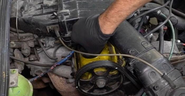 Vanskelighetsgrad: Bytte av Oljefilter på VW GOLF II (19E, 1G1) 1.6 TD 1989 – last ned illustrert veiledning