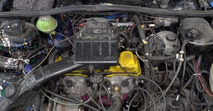 Wymień samodzielnie Świeca zapłonowa w VW GOLF II (19E, 1G1) 1983 1.8 GTI