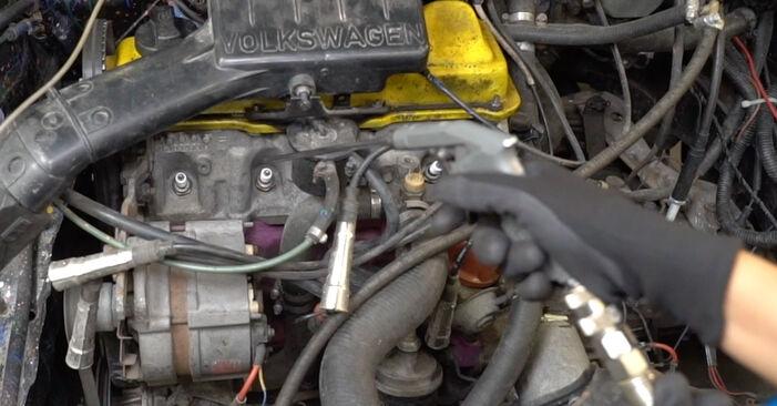 Wymień samodzielnie Świeca zapłonowa w VW GOLF II (19E, 1G1) 1.3 Cat 1986