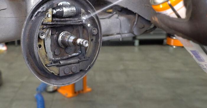 Înlocuirea VW GOLF 1.8 GTI Set saboti frana: ghidurile online și tutorialele video