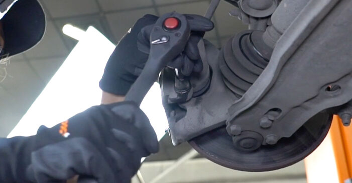 Wie schwer ist es, selbst zu reparieren: Bremsbeläge VW GOLF II (19E, 1G1) 1.6 TD 1989 Tausch - Downloaden Sie sich illustrierte Anleitungen