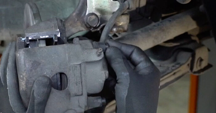 Üksikasjalikud soovitused iseseisvaks VW GOLF II (19E, 1G1) 1986 1.6 Rattalaager väljavahetamiseks