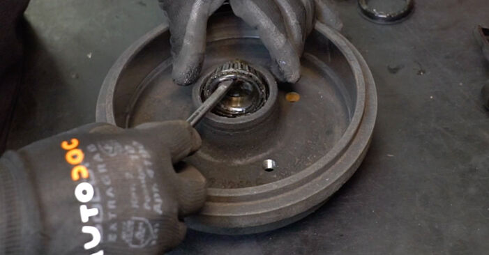 Schimbare Rulment roata la VW GOLF II (19E, 1G1) 1983 1.8 GTI de unul singur