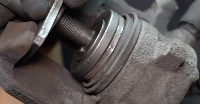 Zweckdienliche Tipps zum Austausch von Bremsbeläge beim MERCEDES-BENZ A-Klasse (W168) A 160 1.6 (168.033, 168.133) 2003