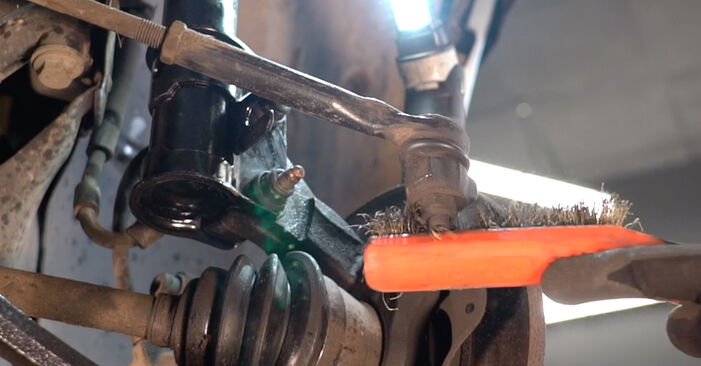 How to replace Track Rod End on FIAT PUNTO (188) 2004: download PDF manuals and video instructions