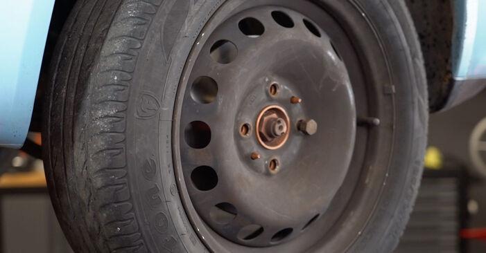 Så svårt är det att göra själv: Byt Bromsbelägg på Fiat Punto 188 1.4 2005 – ladda ned illustrerad guide