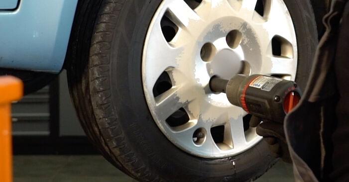 Så tar du bort FIAT PUNTO 1.9 JTD 2003 Bromsbelägg – instruktioner som är enkla att följa online