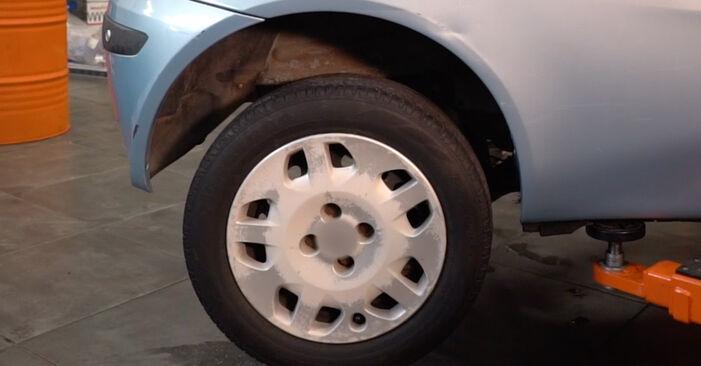 Fiat Punto 188 1.2 16V 80 2001 Ammortizzatori sostituzione: manuali dell'autofficina