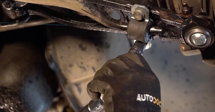 Schritt-für-Schritt-Anleitung zum selbstständigen Wechsel von Fiat Punto 188 2012 1.9 JTD Koppelstange