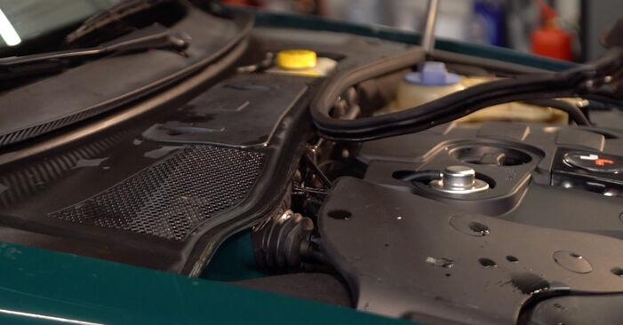 Innenraumfilter Passat 3B6 1.9 TDI 4motion 1998 wechseln: Kostenlose Reparaturhandbücher