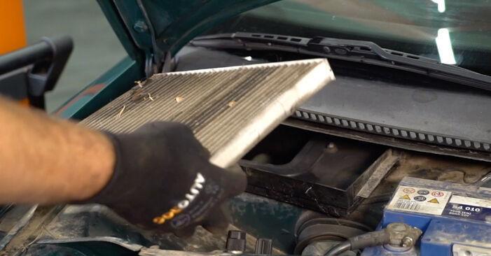 Wie VW PASSAT 1.6 2000 Innenraumfilter ausbauen - Einfach zu verstehende Anleitungen online