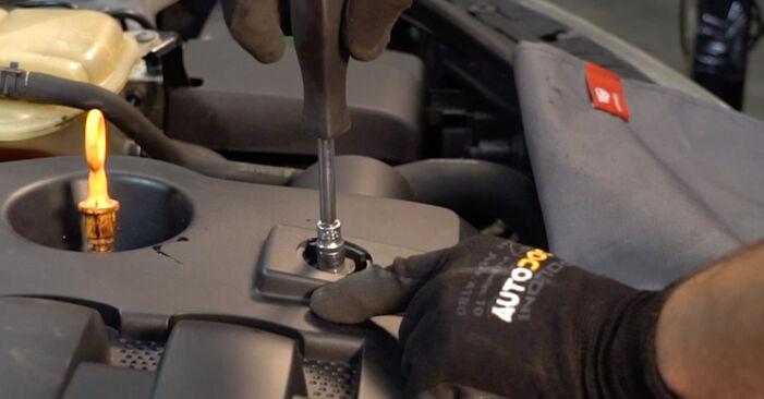 Как да сменим VW PASSAT Variant (3B6) 1.9 TDI 1997 Горивен филтър - стъпка по стъпка инструкции и видео ръководства