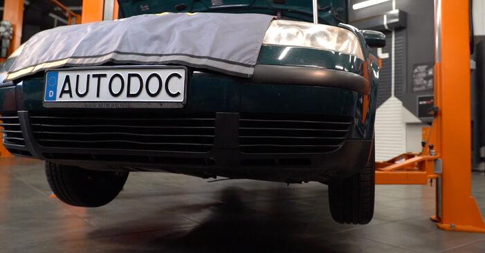 VW PASSAT 1.8 T 20V Ölfilter ausbauen: Anweisungen und Video-Tutorials online