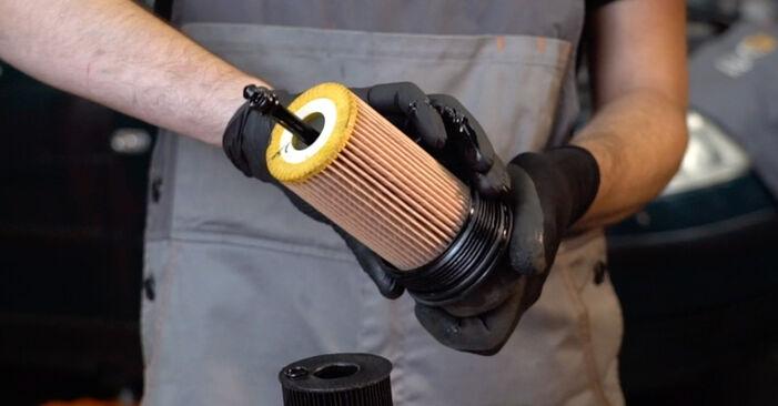 Austauschen Anleitung Ölfilter am Passat 3B6 2000 1.9 TDI selbst