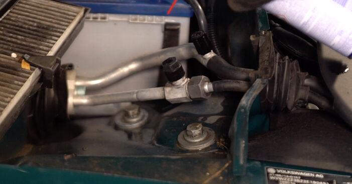 Cómo quitar Amortiguadores en un VW PASSAT 1.6 2000 - instrucciones online fáciles de seguir