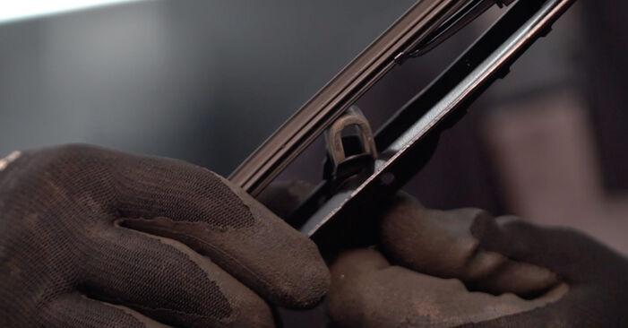 Schimbați Lamela stergator la OPEL Corsa C Hatchback (X01) 1.2 Twinport (F08, F68) 2003 de unul singur