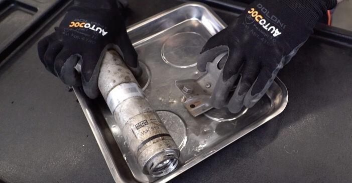 3 Saloon (E90) 325i 2.5 2007 Fuel Filter DIY replacement workshop manual
