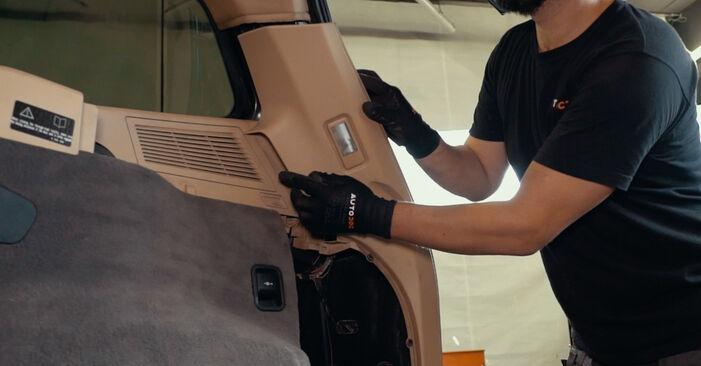 Wie Domlager BMW X3 (E83) 3.0 d 2004 austauschen - Schrittweise Handbücher und Videoanleitungen