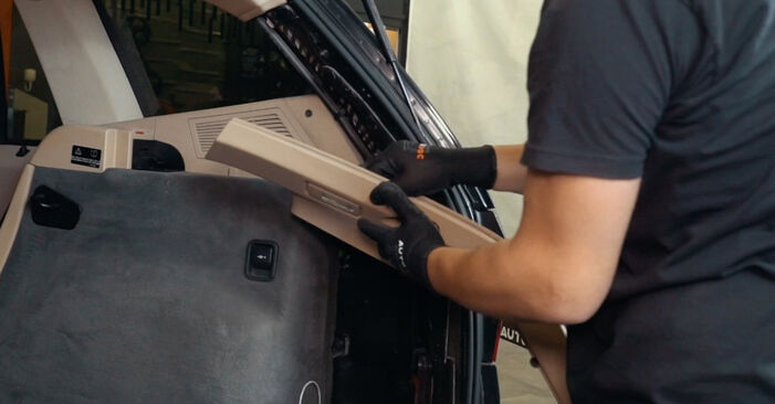 Domlager beim BMW X3 xDrive30d 3.0 2010 selber erneuern - DIY-Manual