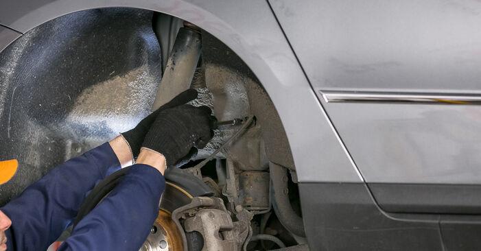 VW PASSAT 2.0 TDI Strut Mount replacement: online guides and video tutorials
