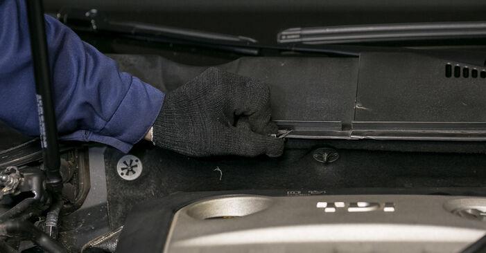 Jak vyměnit Uložení Tlumičů na VW Passat Variant (3C5) 2010: stáhněte si PDF návody a video instrukce.
