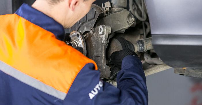 Svépomocná výměna Uložení Tlumičů na autě Passat B6 2008 2.0 TDI