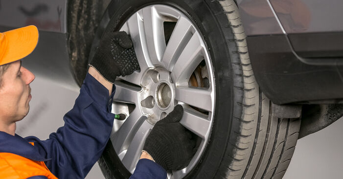 Changer Bras de Suspension sur VW Passat Variant (3C5) 2.0 FSI 2008 par vous-même