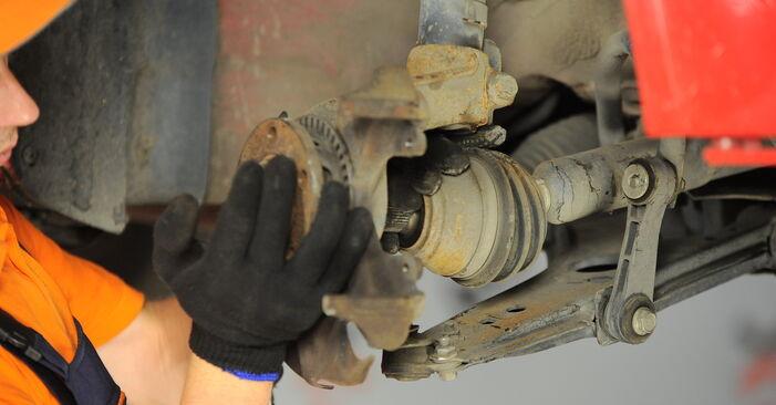 How to change Wheel Bearing on VW Golf IV Hatchback (1J1) 2000 - tips and tricks