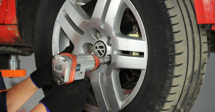 How to replace VW Golf IV Hatchback (1J1) 1.4 16V 1998 Wheel Bearing - step-by-step manuals and video guides