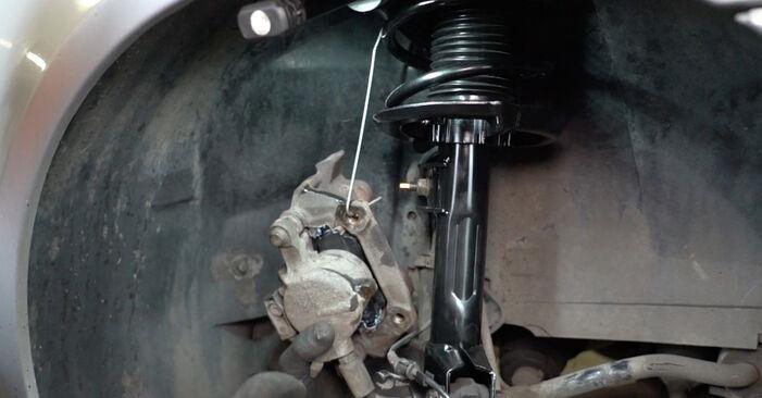 Recomendações passo a passo para a substituição de Mercedes W168 2002 A 190 1.9 (168.032, 168.132) Rolamento da Roda por si mesmo