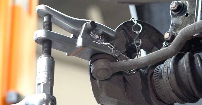 Você precisa saber como substituir Rolamento da Roda no MERCEDES-BENZ A-CLASS ? Este manual de oficina gratuito o ajudará a fazer você mesmo