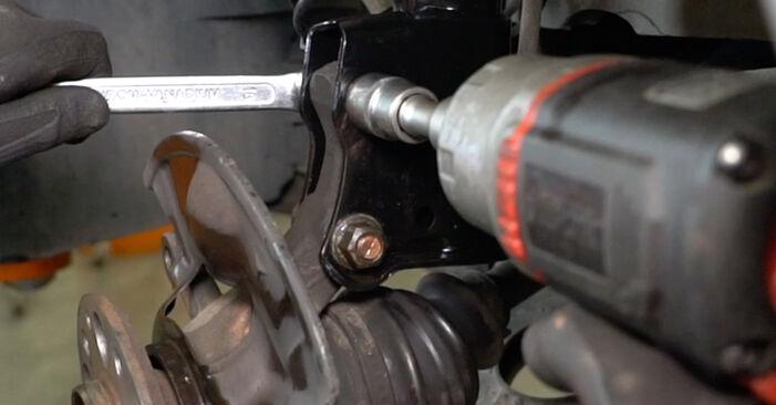 Substituição de Mercedes W168 A 170 CDI 1.7 (168.009, 168.109) 1999 Rolamento da Roda: manuais gratuitos de oficina
