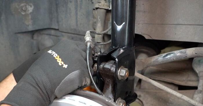 Wechseln Sie Federn beim Mercedes W168 1999 A 140 1.4 (168.031, 168.131) selber aus