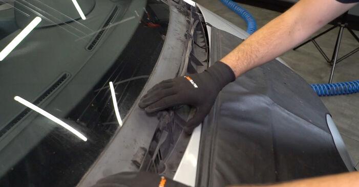 Zweckdienliche Tipps zum Austausch von Innenraumfilter beim MERCEDES-BENZ A-Klasse (W168) A 160 1.6 (168.033, 168.133) 2003