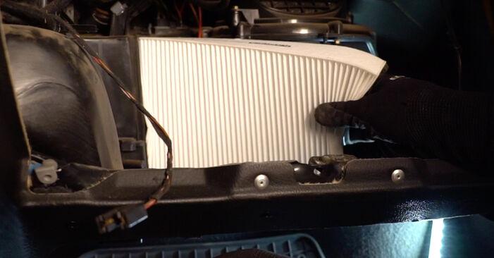 OPEL ASTRA 1.6 (F08, F48) Luftfilter ausbauen: Anweisungen und Video-Tutorials online