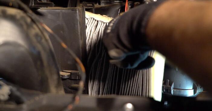Luftfilter beim OPEL ASTRA 2.0 16V (F08, F48) 2005 selber erneuern - DIY-Manual