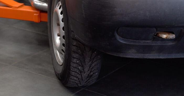 Wechseln Motorlager am VW Transporter IV Bus (70B, 70C, 7DB, 7DK, 70J, 70K, 7DC, 7DJ) 2.5 1993 selber