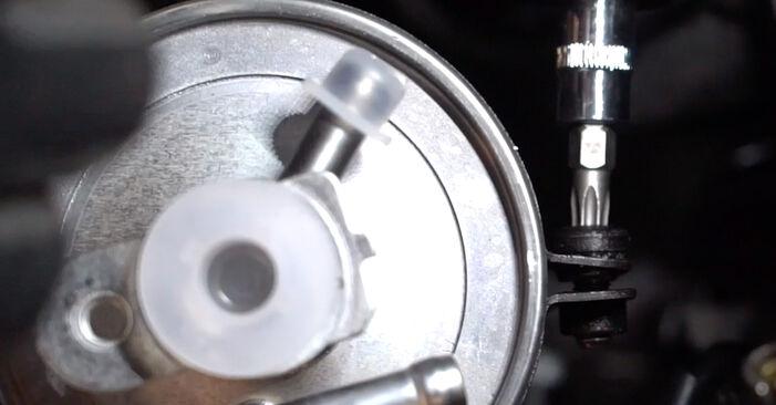 Austauschen Anleitung Kraftstofffilter am BMW 3 Touring (E46) 1996 320d 2.0 selbst