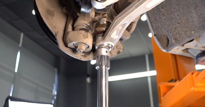 Zweckdienliche Tipps zum Austausch von Querlenker beim AUDI A6 Limousine (4F2, C6) 2.4 2010