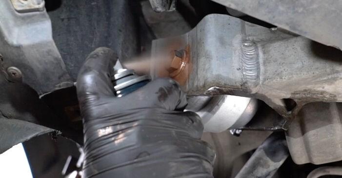Wechseln Querlenker am BMW 1 Coupe (E82) 118d 2.0 2009 selber