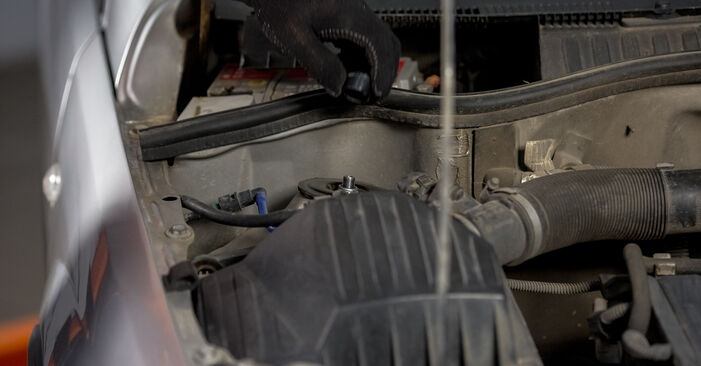 Hvordan man udskifter FORD FOCUS (DAW, DBW) 1.6 16V 1999 Motorophæng - trin-for-trin manualer og video vejledninger