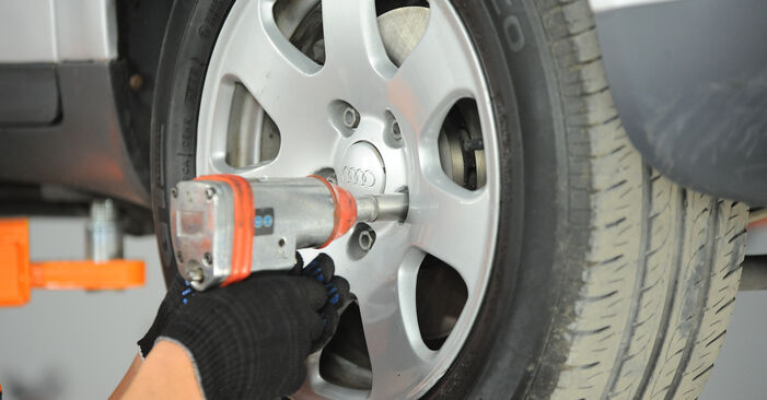 Audi A4 b6 2.0 2002 Vikšro Valdymo Svirtis keitimas: nemokamos remonto instrukcijos