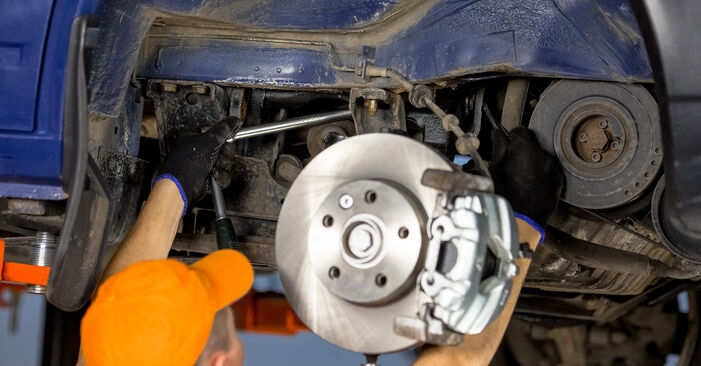Replacing Control Arm on VW T4 Transporter 2000 2.5 TDI by yourself