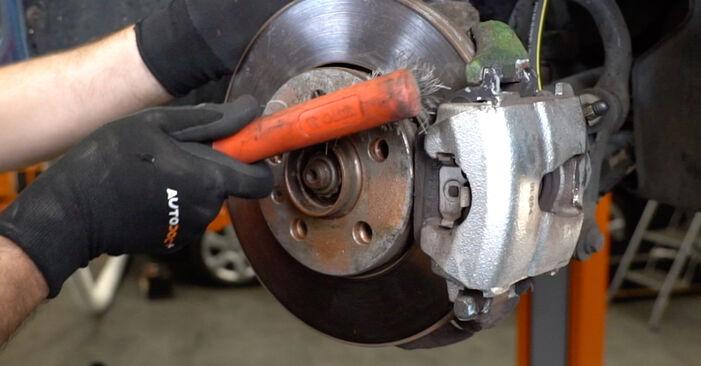 Tausch Tutorial ABS Sensor am VW Golf IV Schrägheck (1J1) 2000 wechselt - Tipps und Tricks