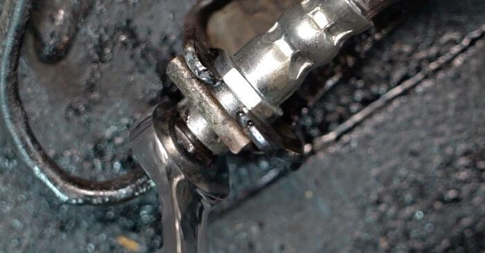 Wie Bremsschläuche VW Golf IV Schrägheck (1J1) 1.6 1998 austauschen - Schrittweise Handbücher und Videoanleitungen