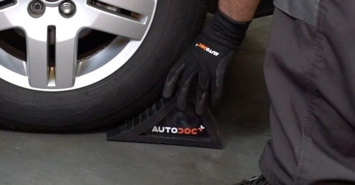 Wechseln Bremsschläuche am VW Golf IV Schrägheck (1J1) 1.9 TDI 2000 selber