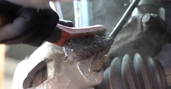 Bremsschläuche beim VW GOLF 1.6 2004 selber erneuern - DIY-Manual